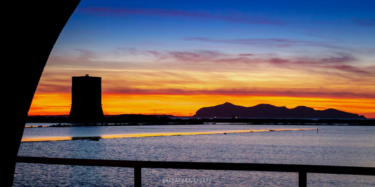 tramonto sulle saline del trapanese