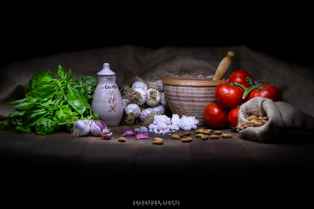 set artistico ingredienti pesto alla trapanese