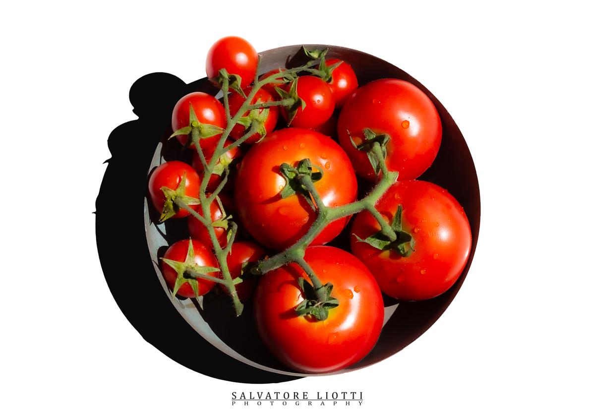 Pomodori rossi e pomodori ciliegino