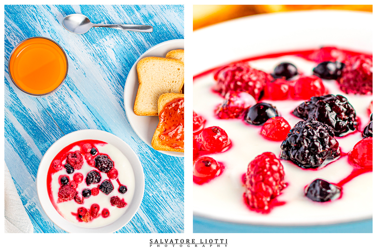 Tavola prima colazione con yogurt frutti di bosco